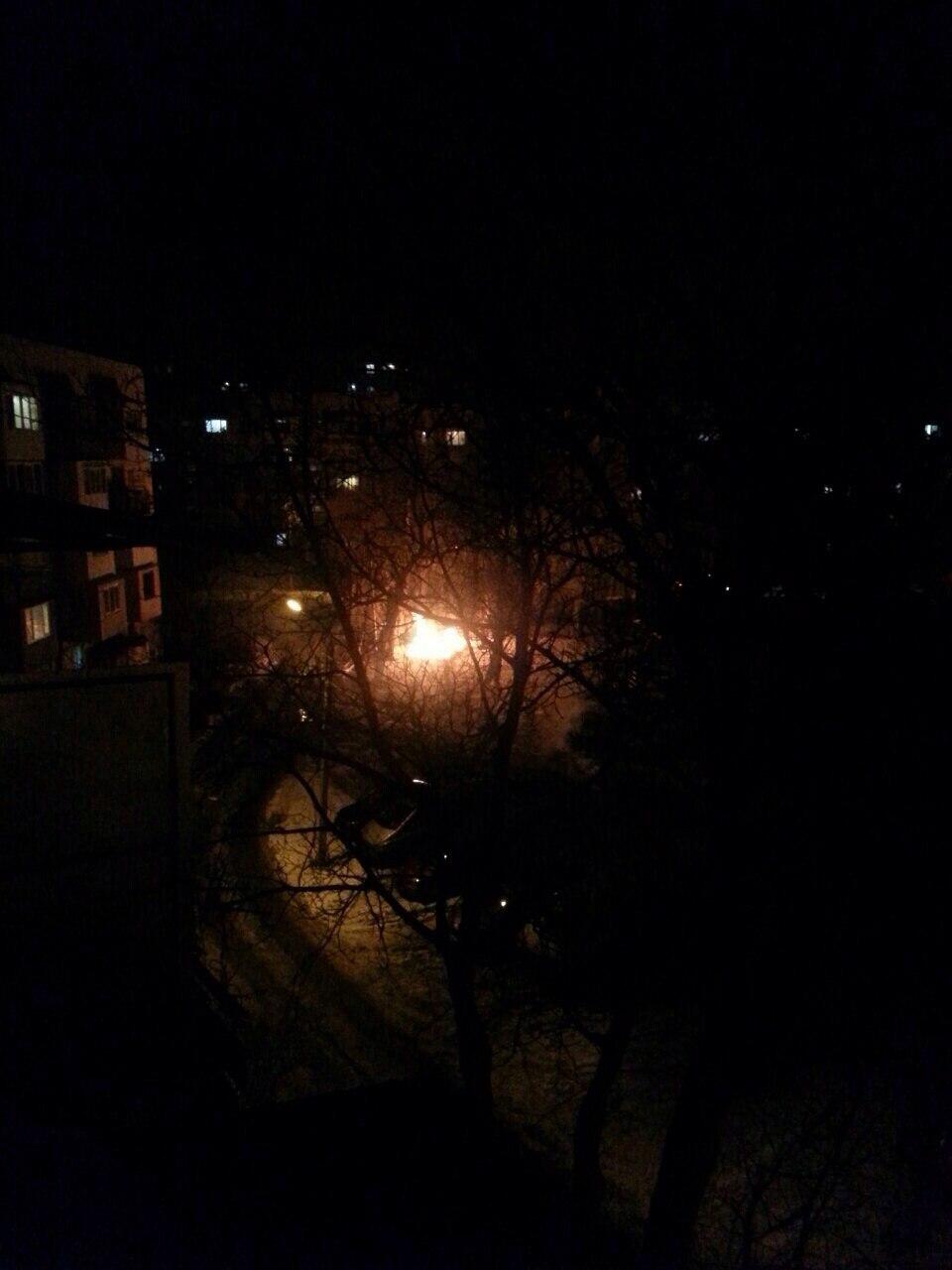 """Пожежа недалеко від парку """"Жовтневий"""". Будьте обачні! (ФОТО)"""