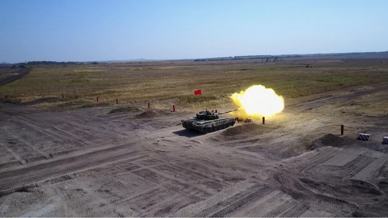 Луганские танкисты победили в состязаниях между ЛНР и ДНР