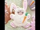 Не беда,если вы хотите сделать зайчика, а форма есть только для мишки! Дорисовываем ушки и получается пухленький зайка!