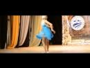 Гимнастический танец на сцене для конкурса