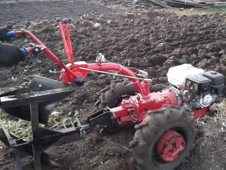 Вспашка огорода мотоблоком Беларус-09Н МТЗ ч4 - YouTube