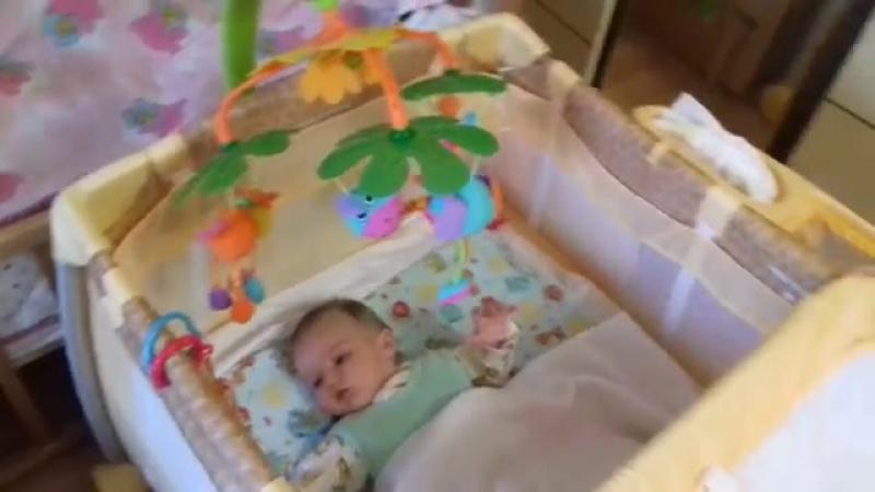 наша кровать-манеж Happy baby tomas