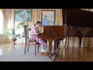 первый конкурс по фортепиано нашей Виктории