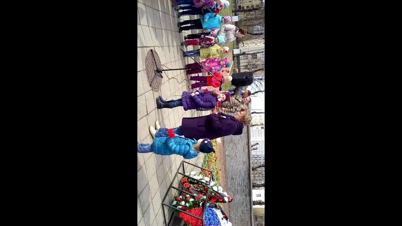 05.05.2017 Возложение цветов солдатам (пр.Народного Ополчения)