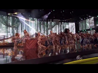 JLo Performance at AMA with Royal Family crew