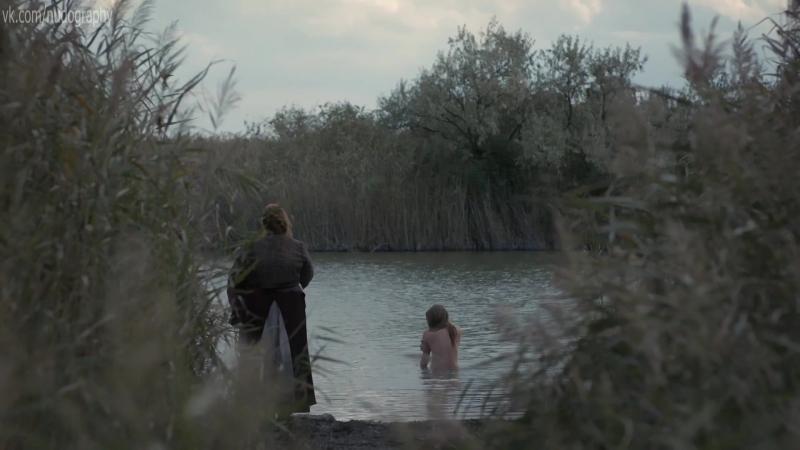 Милли Брэйди (Millie Brady) голая в сериале