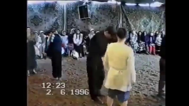 Марина я сказал привет Танцует Магомед Султандибиров 26 лет тому назад Я кайфую просто Люблю Дагестан
