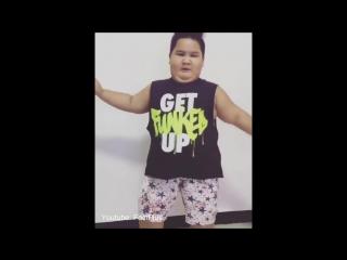 Original PPAP Pen Pineapple Apple Pen Funny Fat Kid Dance Cover