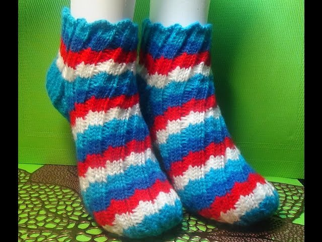 Вязание спицами . Женские носки, связанные узором Эстонская спираль 101