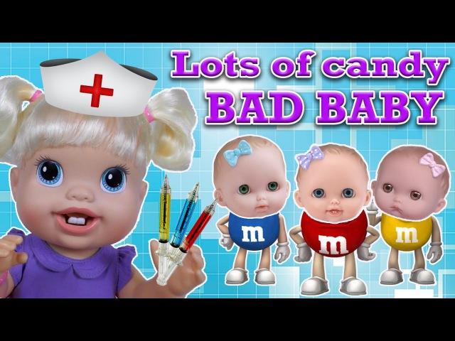 Куклы Пупсики Съели Много MM Вредные Детки Кушают Конфетки Baby Alive делает УКОЛЫ LOTS...