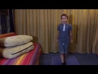 как научиться мальчику 11 лет сделать сальто назад 21 тыс. видео найдено в Я