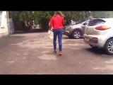 красивая попа в джинсах