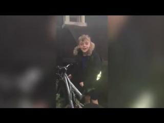 Воры вернули ребенку велосипед после того, как узнали, что это подарок умершего отца.