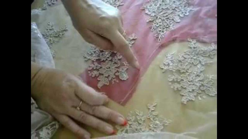 Как пошить платье с кружевом на сеточке
