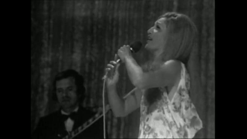 Dalida - Deux colombes / 23-08-1971 Une cigogne sur la 2