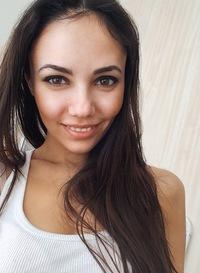Лена Джелаухова