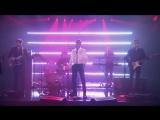 Niall Horan (One Direction) исполнил вживую песню Slow Hands