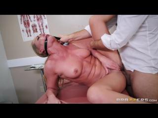 порно в больнице врач инасиловал
