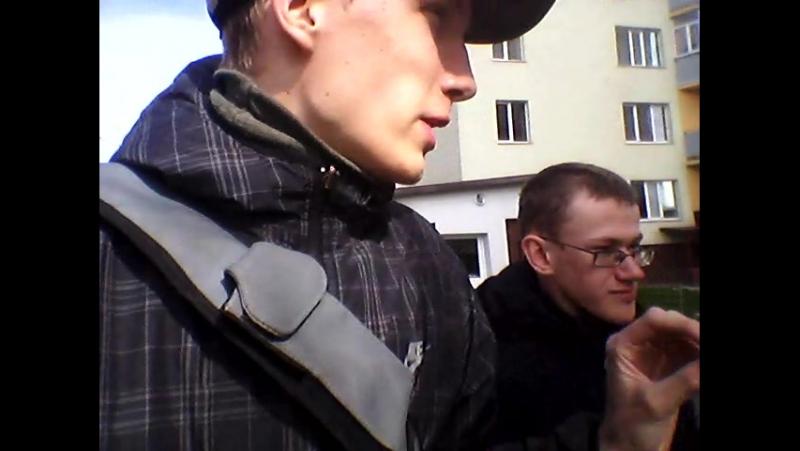 Владислав Романенко та Ільюк Михайло про сміття біля енергоблоку номер 8 на Лесінській Аес