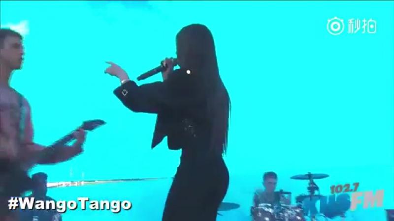Machine Gun Kelly Hailee Steinfeld – At My Best (Live @Wango Tango; 13 мая 2017)