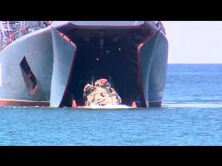 Моряки поддержали артиллерийским огнем высадку десанта