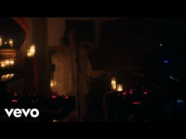 Lorde - Sober (Vevo x Lorde)