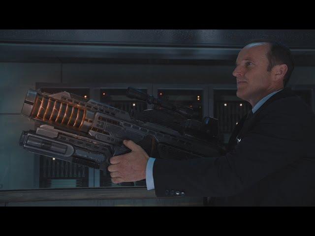 Мстители Локи обманывает Тора, Наташа вырубает Бартона (Фил и новое оружие)