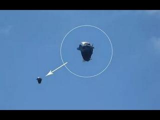 Двум канадцам удалось снять,как от гигантского НЛО отделяется небольшой ДРОН.До...