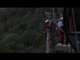 Евгений Кулик прыгнул с огромной высоты.
