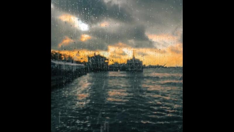 Bazıları özledim diyemez, yağmuru bekler. . .