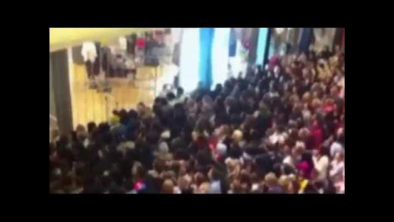Американцы в «черную пятницу» устроили давку и побоища в магазинах