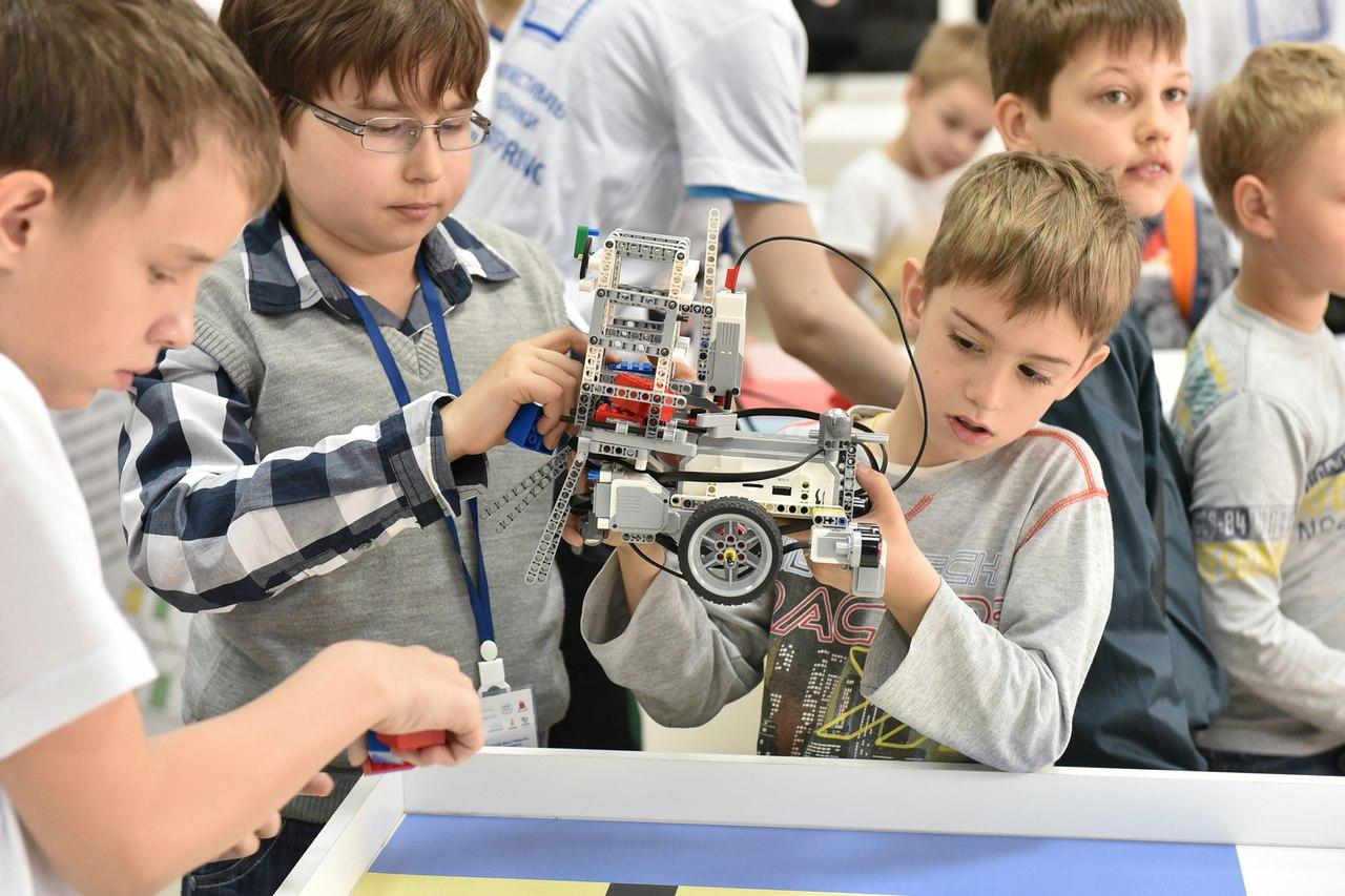 Шесть донских подростковых команд отправятся на Всероссийскую робототехническую олимпиаду