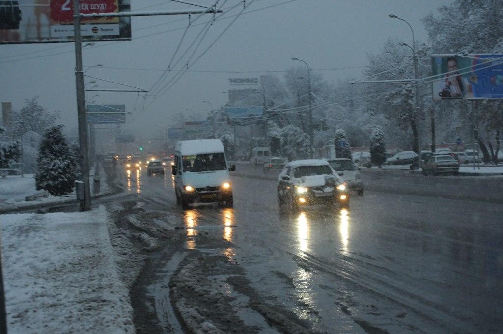 Новшество в общественном транспорте Душанбе: песни о Родине и Лидере нации