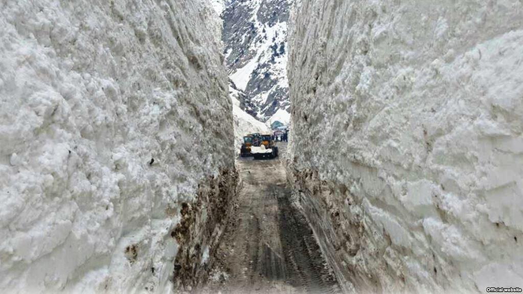 Ситуация на горных дорогах Таджикистана все еще остается сложной, — Минтранс