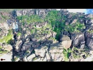 Самый высокий водопад в мире сняли с дрона