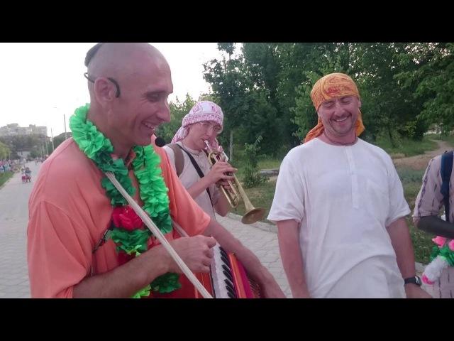 Чайтанья Нитай дас на Падаятре Вологоград 2
