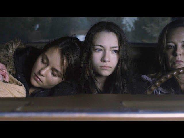 Верзила (2012) Триллер, Детектив, Криминал,(Действие фильма разворачивается в американском городе Колд Рок, в котором на протяжении многих лет пропадают без вести дети. Местные легенды гласят, что их забирает к себе таинственный высокий человек.)