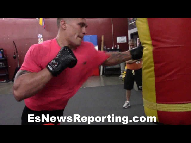 Cruiserweight world champion Oleksandr Usyk - EsNews Boxing