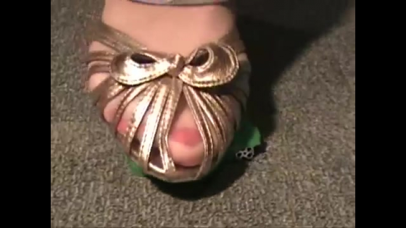 Car Crush 1 Sexy сексуальные эротические ноги стопы обувь колготки девочки мамаши школьницы студентки молодые