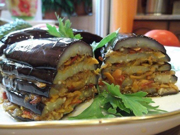 Баклажаны по-турецки Ингредиенты: баклажан — 2 шт. помидор — 3