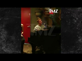 November 4: Another video of Justin in Toronto, Canada.