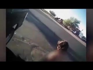 Голая девушка угнала полицейскую машину из-под носа помощника шерифа