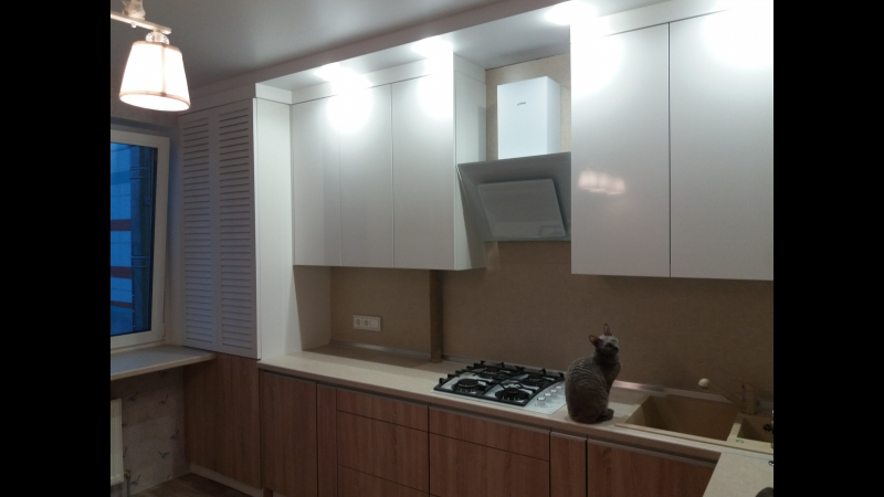 Кухня на заказ с жалюзийными фасадами (смотрите видеообзор) Борисов, Минск от компании ООО «ЭкстраВуд» - видео