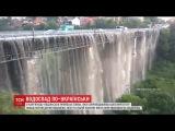 У Кам'янц-Подльському шалена злива перетворила мст на водопад