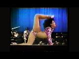 Fantastically Flexible Conga Dancer Bends Herself Like A Snake