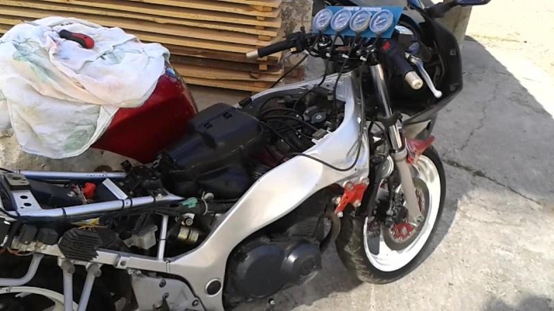 Синхронизация карбюраторов Suzuki RF400
