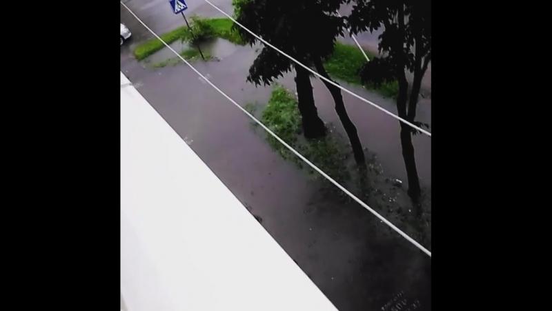 Можно прыгать и нырять! Ужас что творится! ... Погода в городах России 07.08.2017