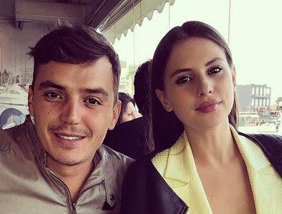 Саша Артемова и Женя Кузин мечтают о свадьбе в Афинах.