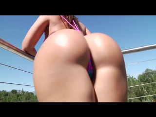 One Hour of Big Booty Shaking Compilation