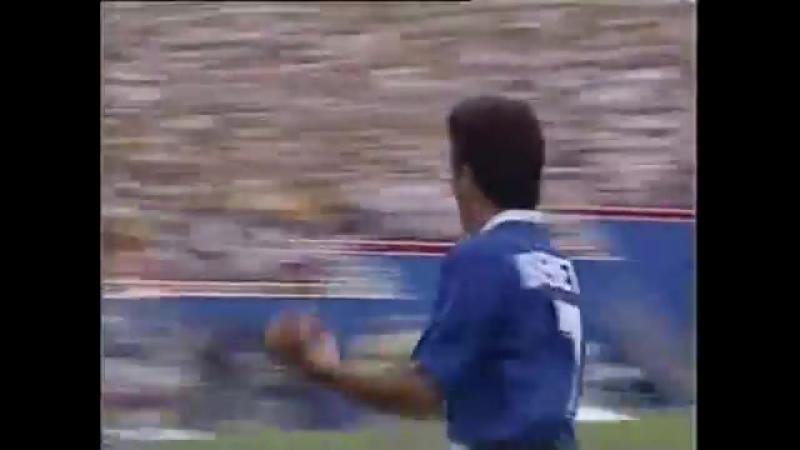 Бебето - гол в четвертьфинале чемпионата мира 1994 года против Голландии.